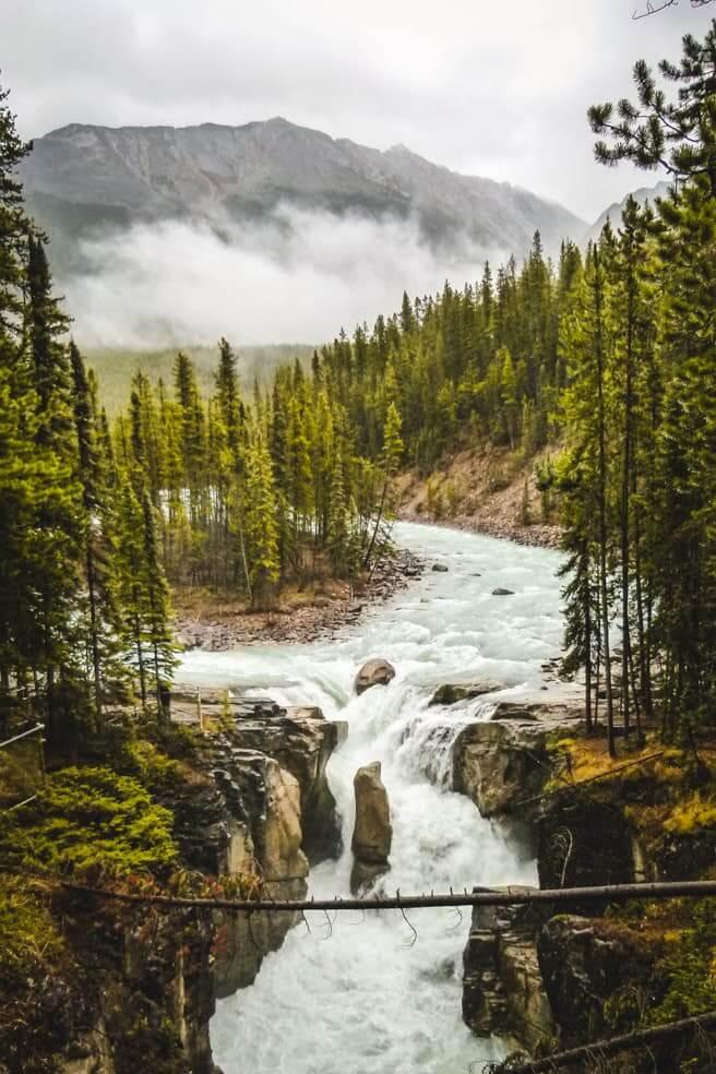 Hiking in Jasper National Park - Sunwapta Falls