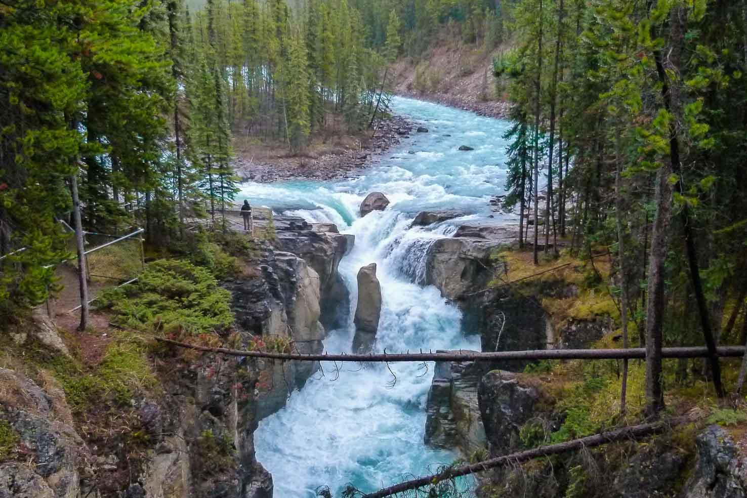 Icefields Parkway itinerary - Sunwapta Falls