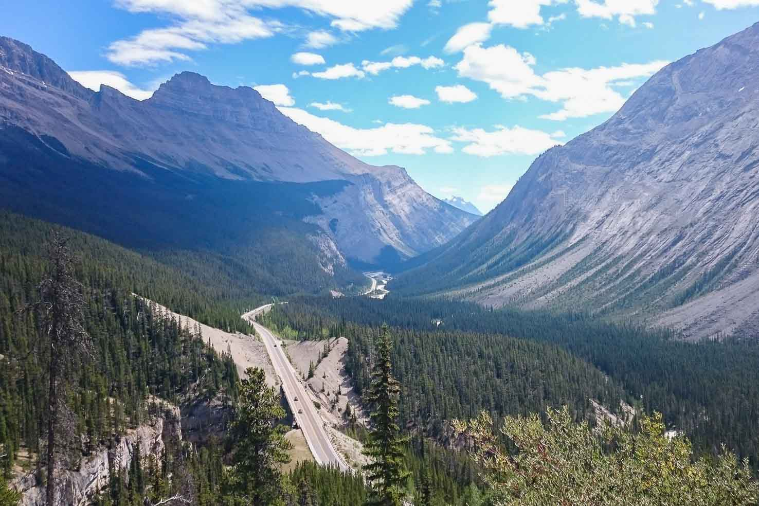Icefields Parkway viewpoint