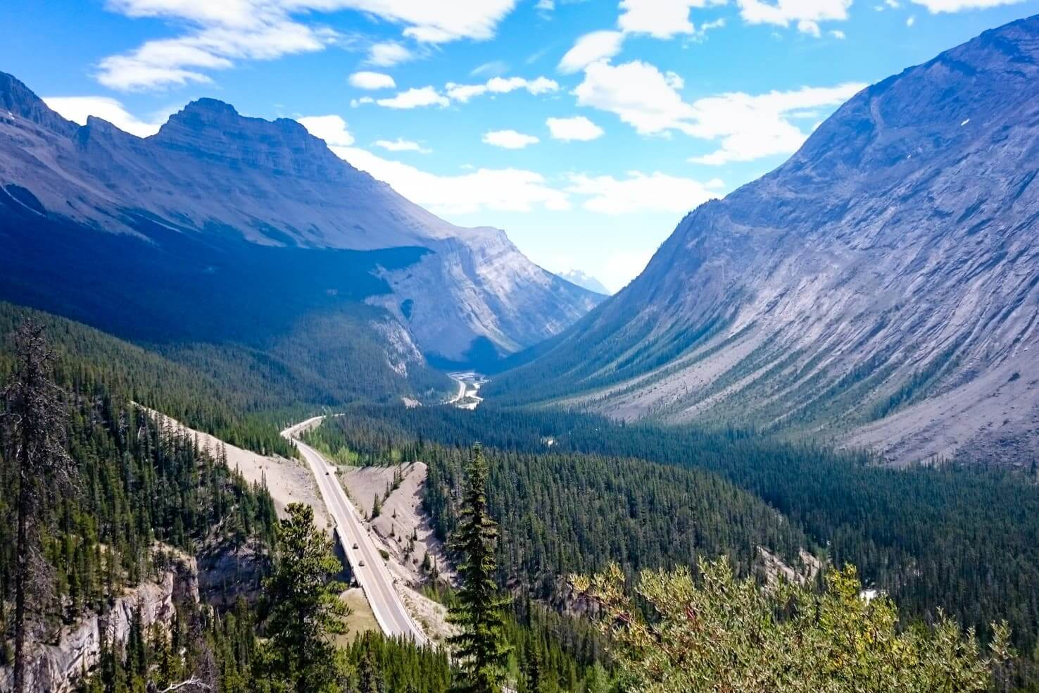 Western Canada Road Trip from Calgary to Vancouver - Icefields Parkway scenic drive from Lake Louise to Jasper