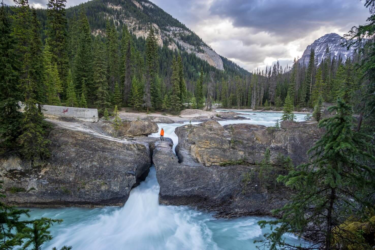 Western Canada Road Trip from Calgary to Vancouver - Natural Bridge in Yoho National Park