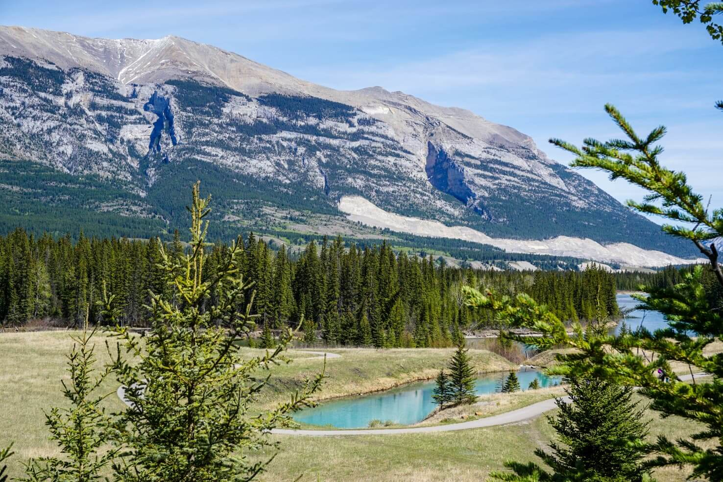 Western Canada Road Trip from Calgary to Vancouver - scenic view around Canmore