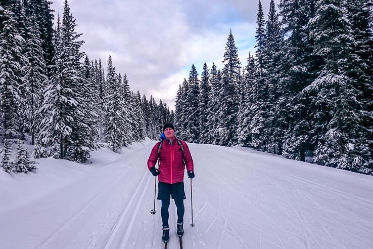 Cross country ski trails in Banff National Park - Moraine Lake Road