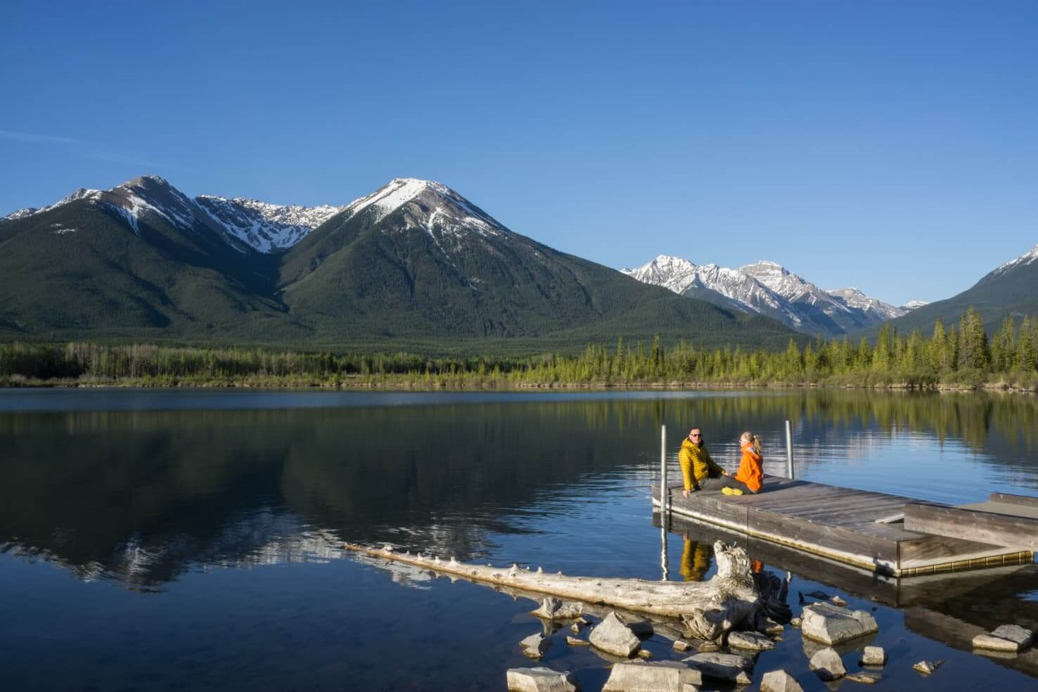 100 best things to do in Banff National Park, Canada - Have a morning picnic at Vermilion Lakes