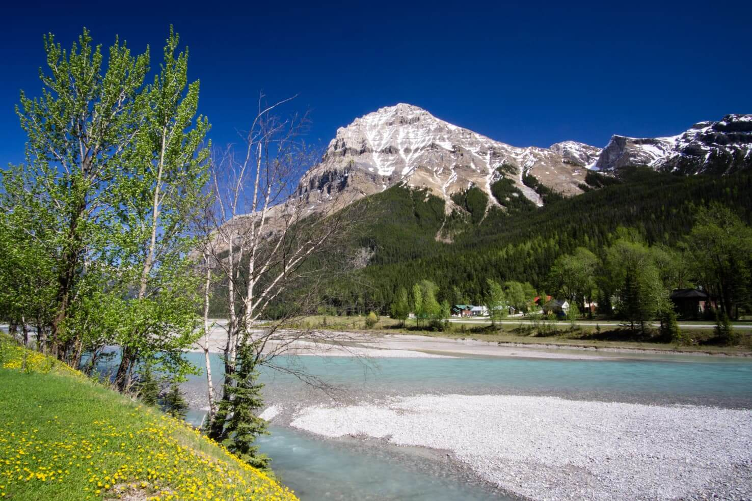 100 best things to do in Banff National Park, Canada - Visit Yoho National Park and its capital Field