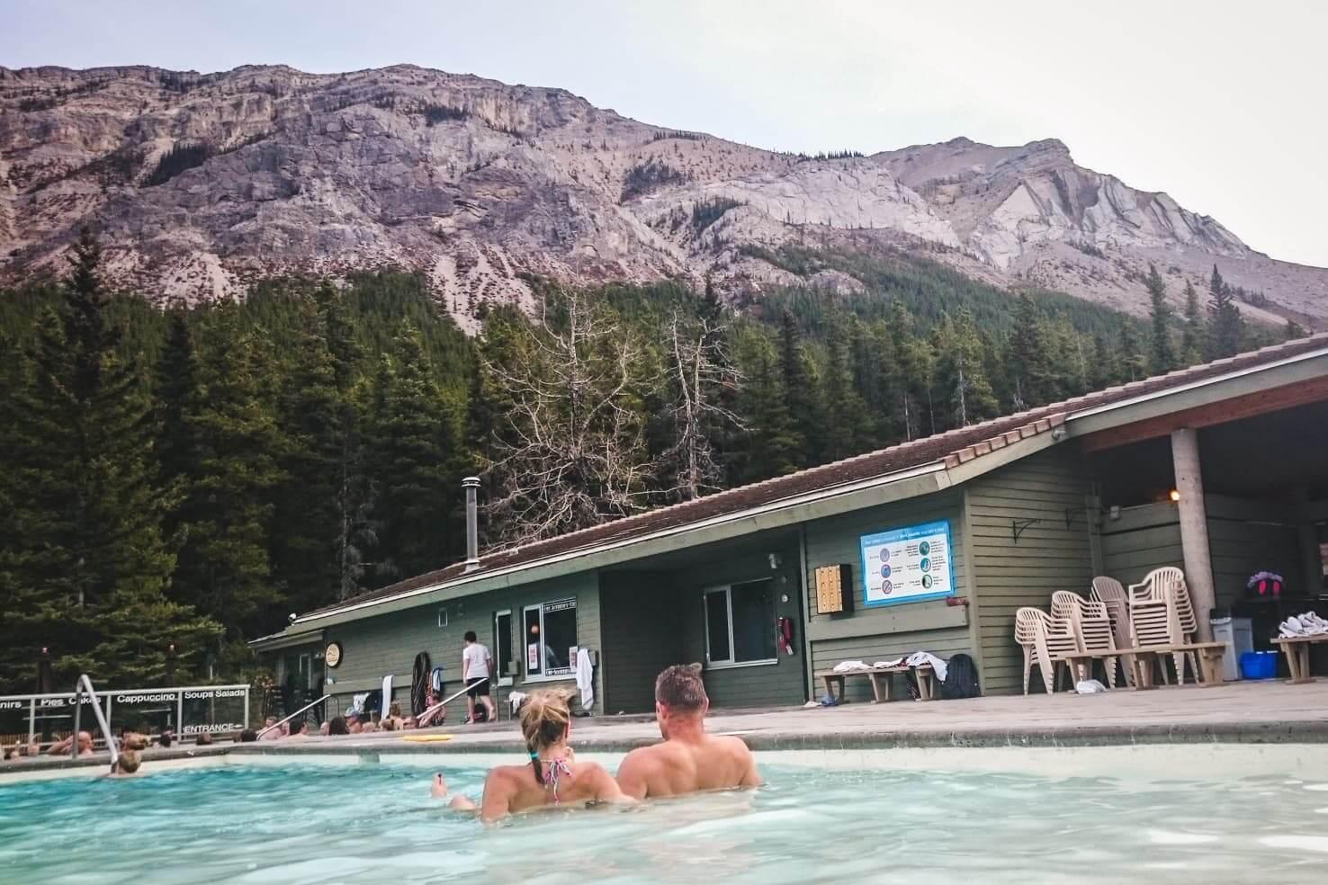 Hiking in Jasper National Park - Miette hot springs
