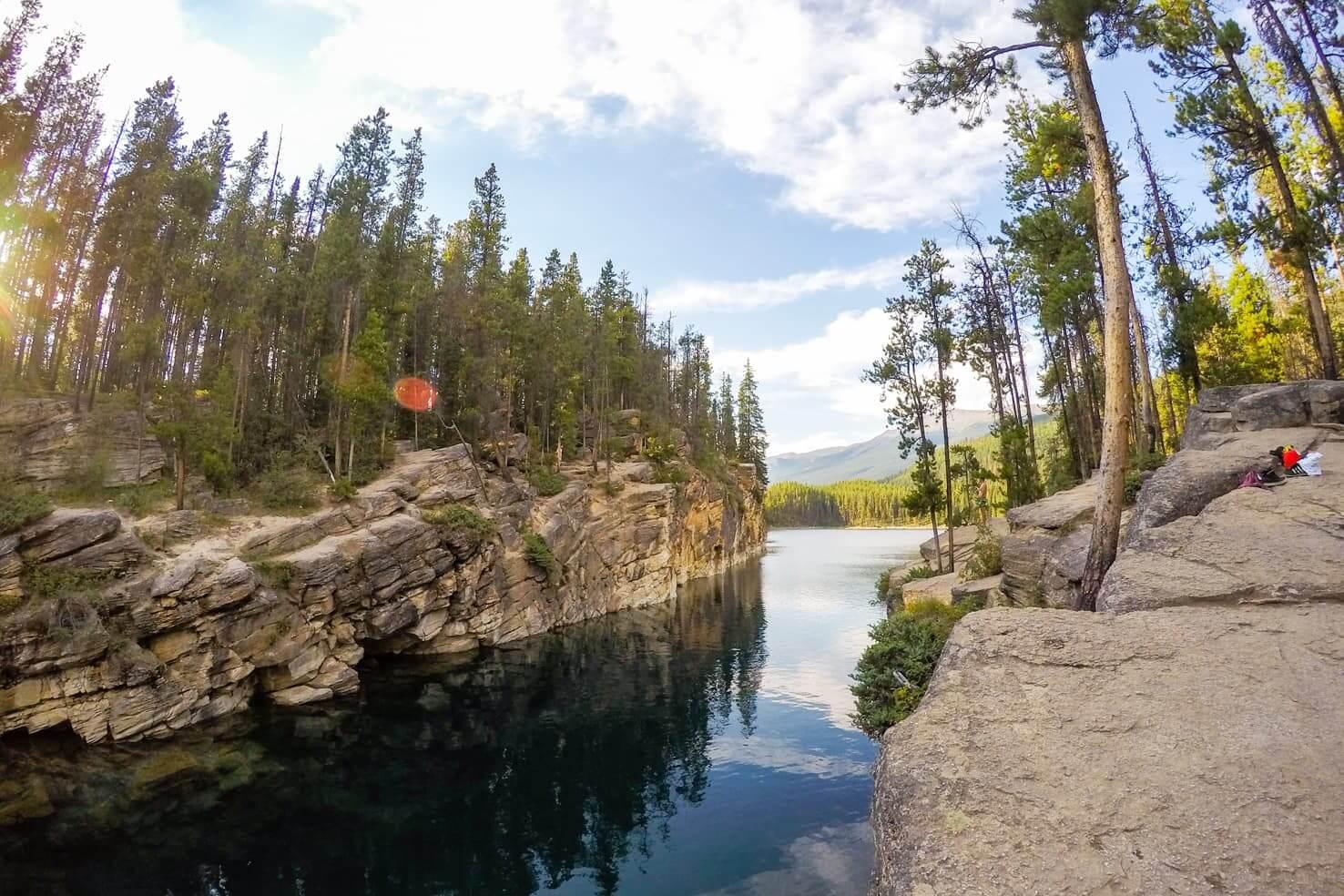 Hiking in Jasper National Park - Horseshoe Lake