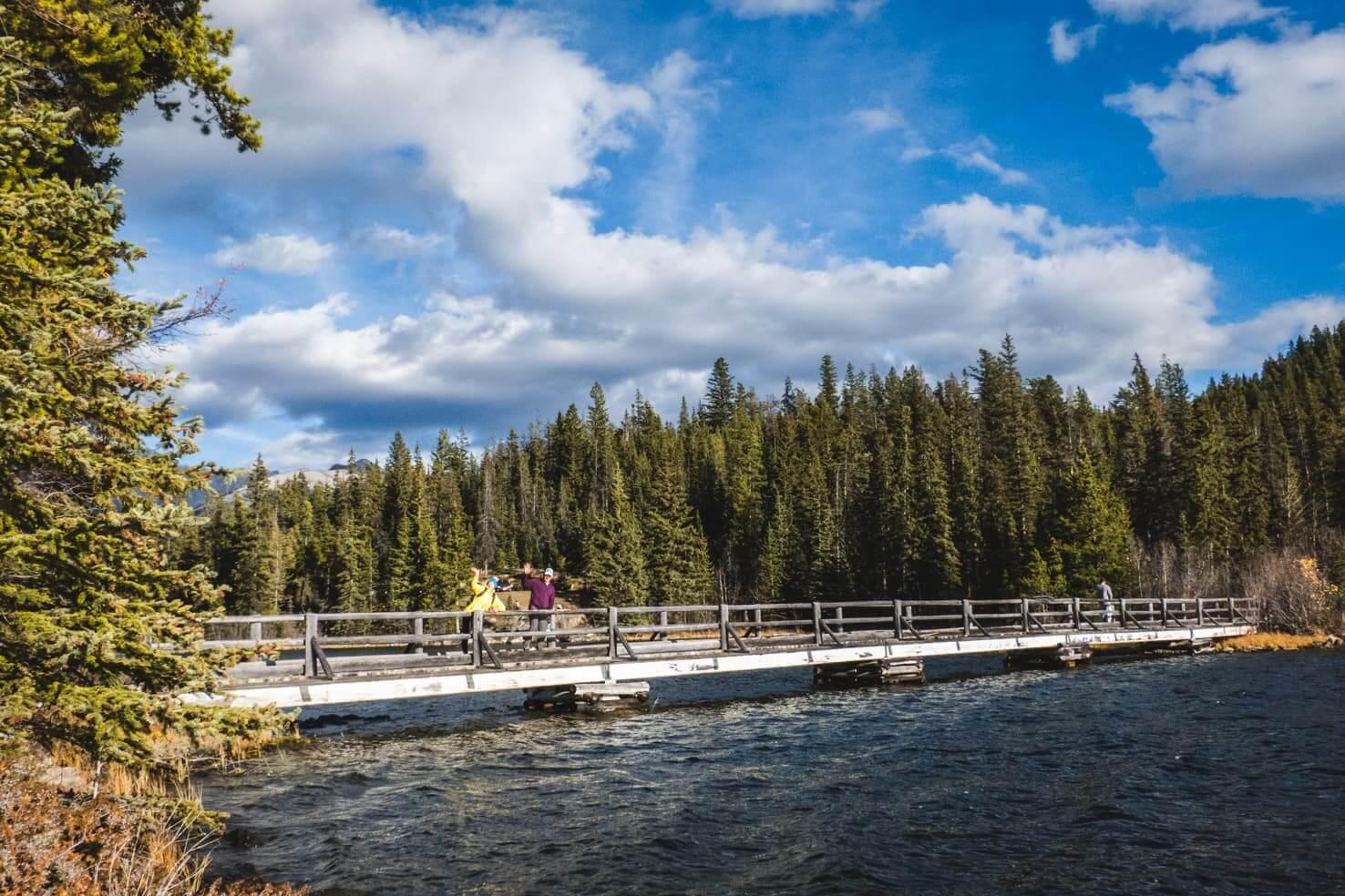 Hiking in Jasper National Park - Pyramid Lake hike & Pyramid Island