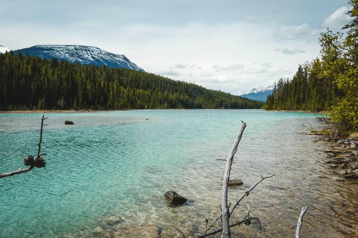 Hiking in Jasper National Park - Mona Lake & Lorraine Lake