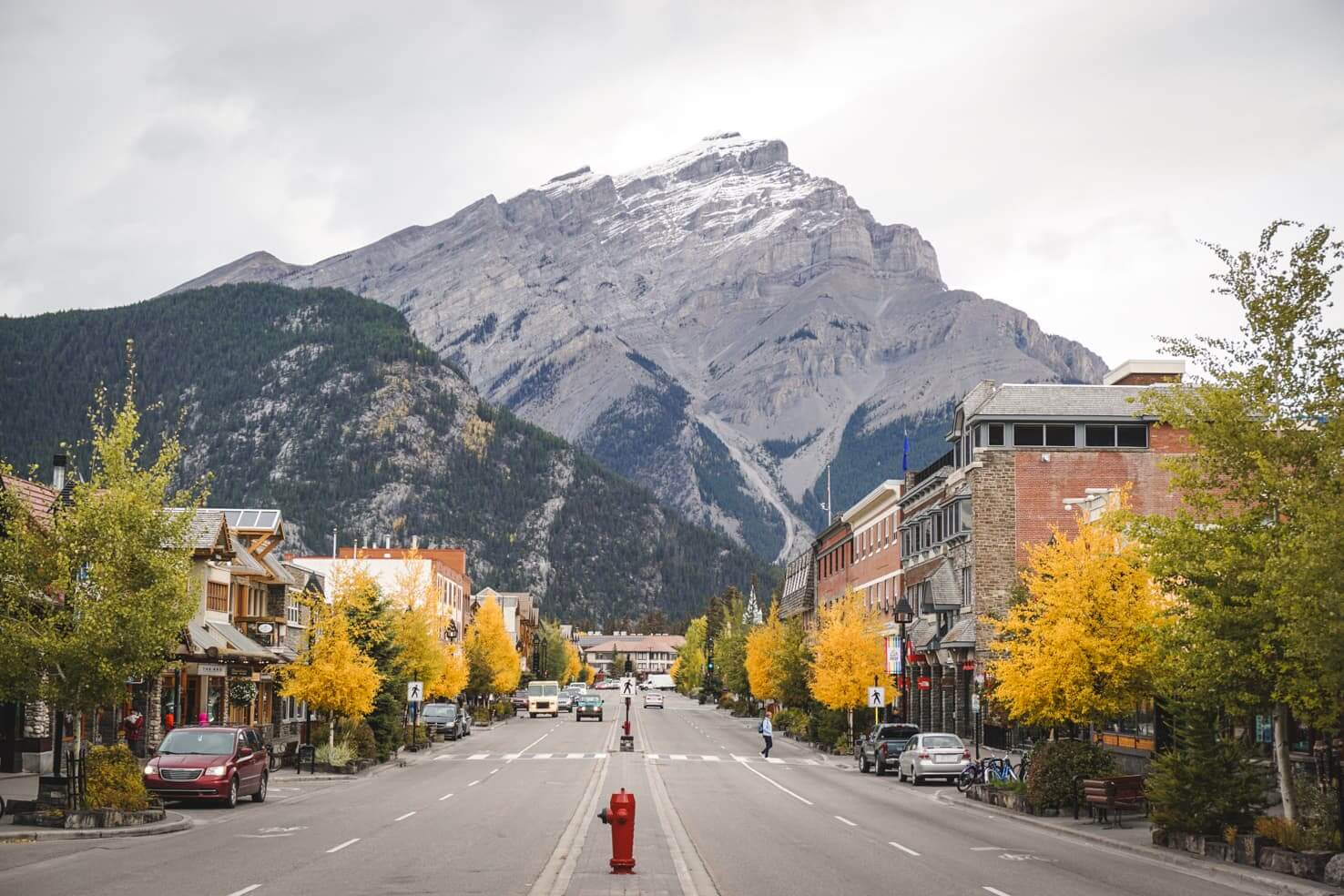 How to get from Calgary to Banff - complete breakdown of all options