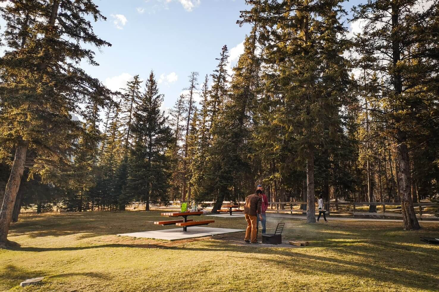 100 things to do in Banff National Park, Canada - Enjoy outdoor BBQ by Bow River