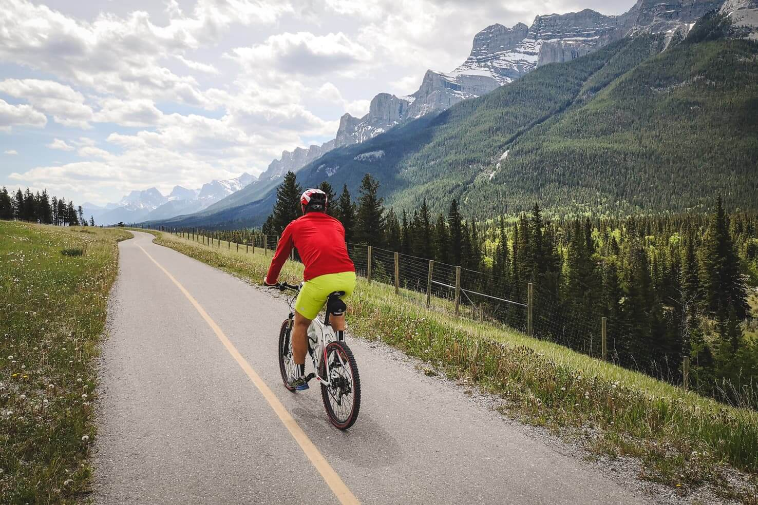 20 Things to do in Canmore - Bike the Legacy Trail to Banff