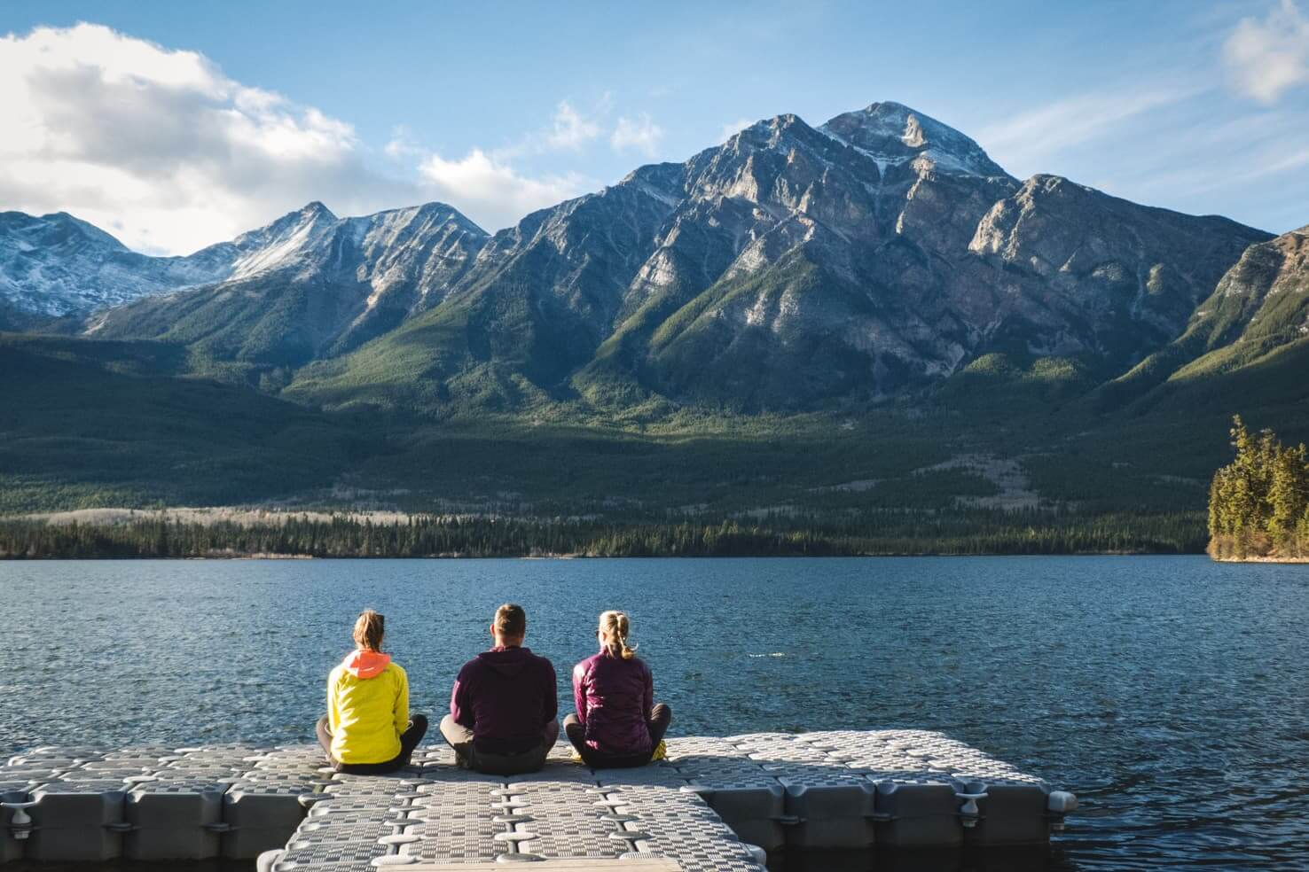 Western Canada Road Trip from Calgary to Vancouver - Pyramind Lake in Jasper