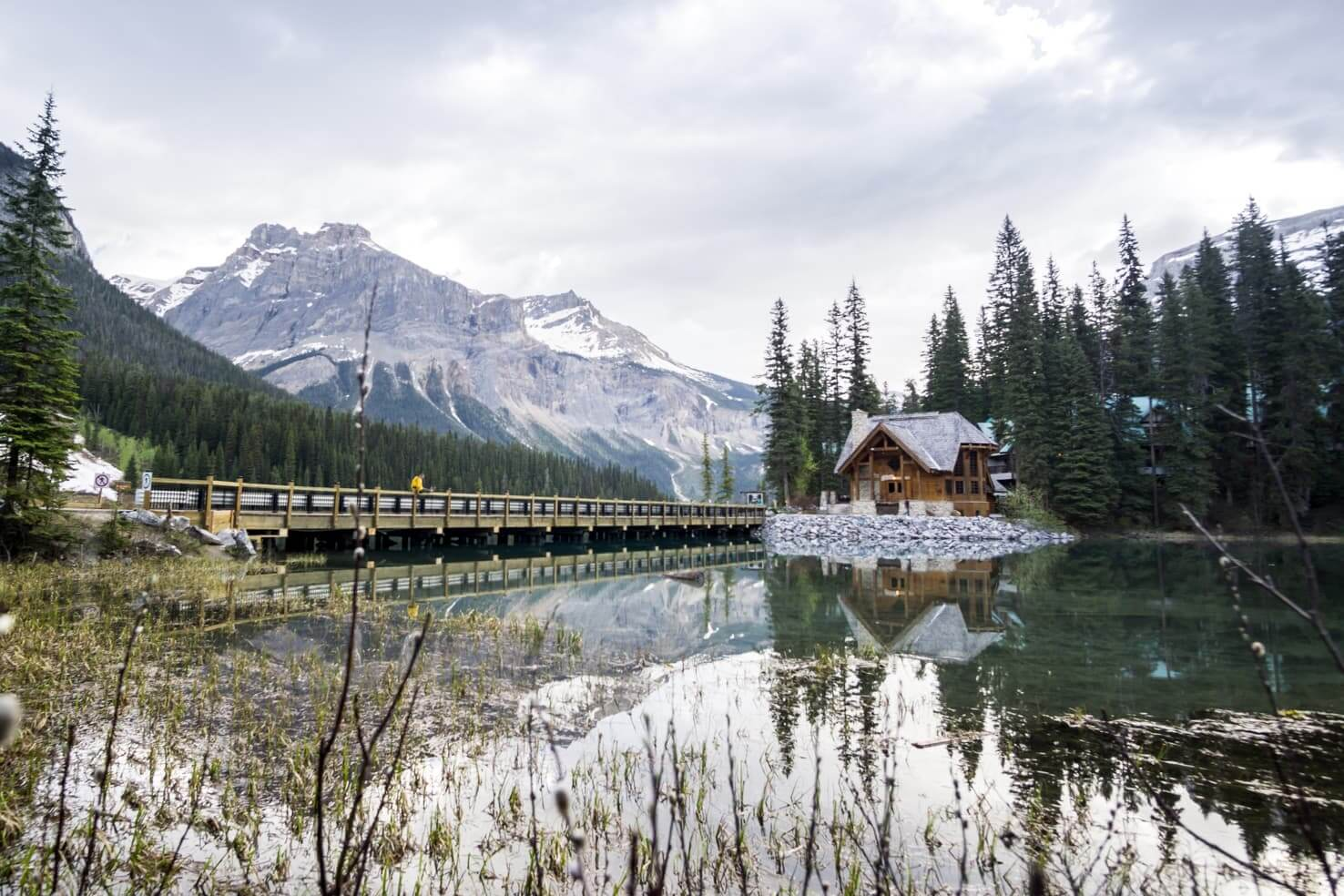 Adventure travel guide to Yoho National Park - Emerald Lake Lodge