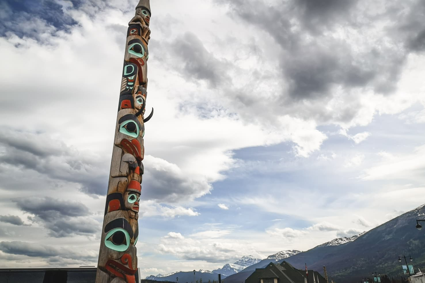 Things to do in Jasper National Park - 37 Learn about the history of the Totem Pole