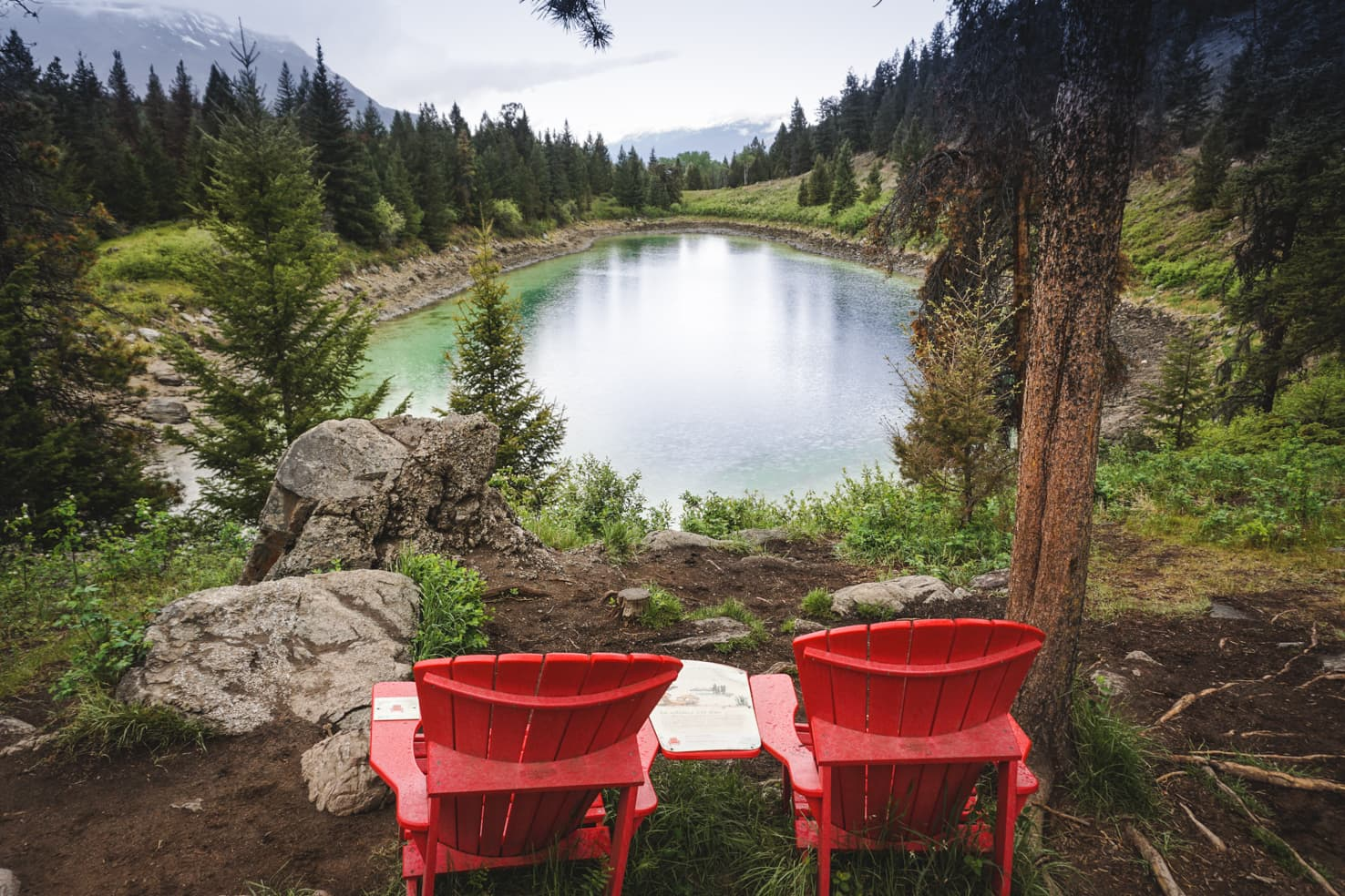 Things to do in Jasper National Park - 62 Take a photo in the iconic red chairs