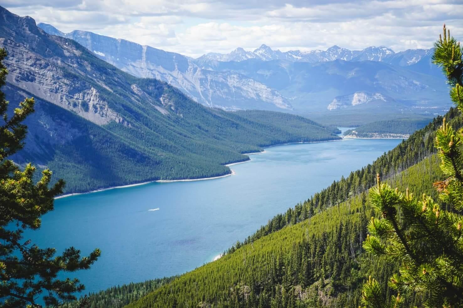 Canadian Rockies road trip itinerary - Lake Minnewanka in Banff National Park