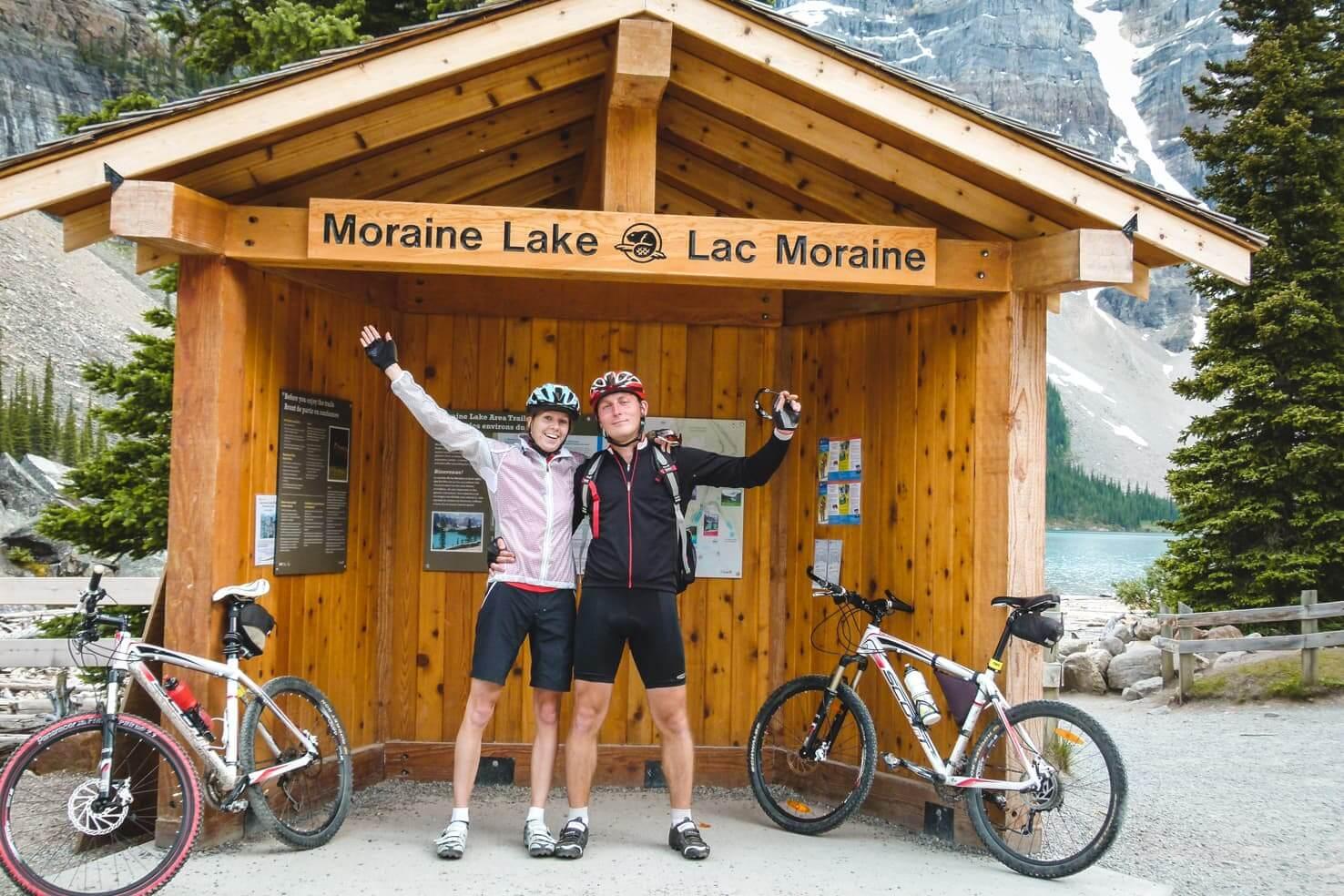 Biking to Moraine Lake in October (2)