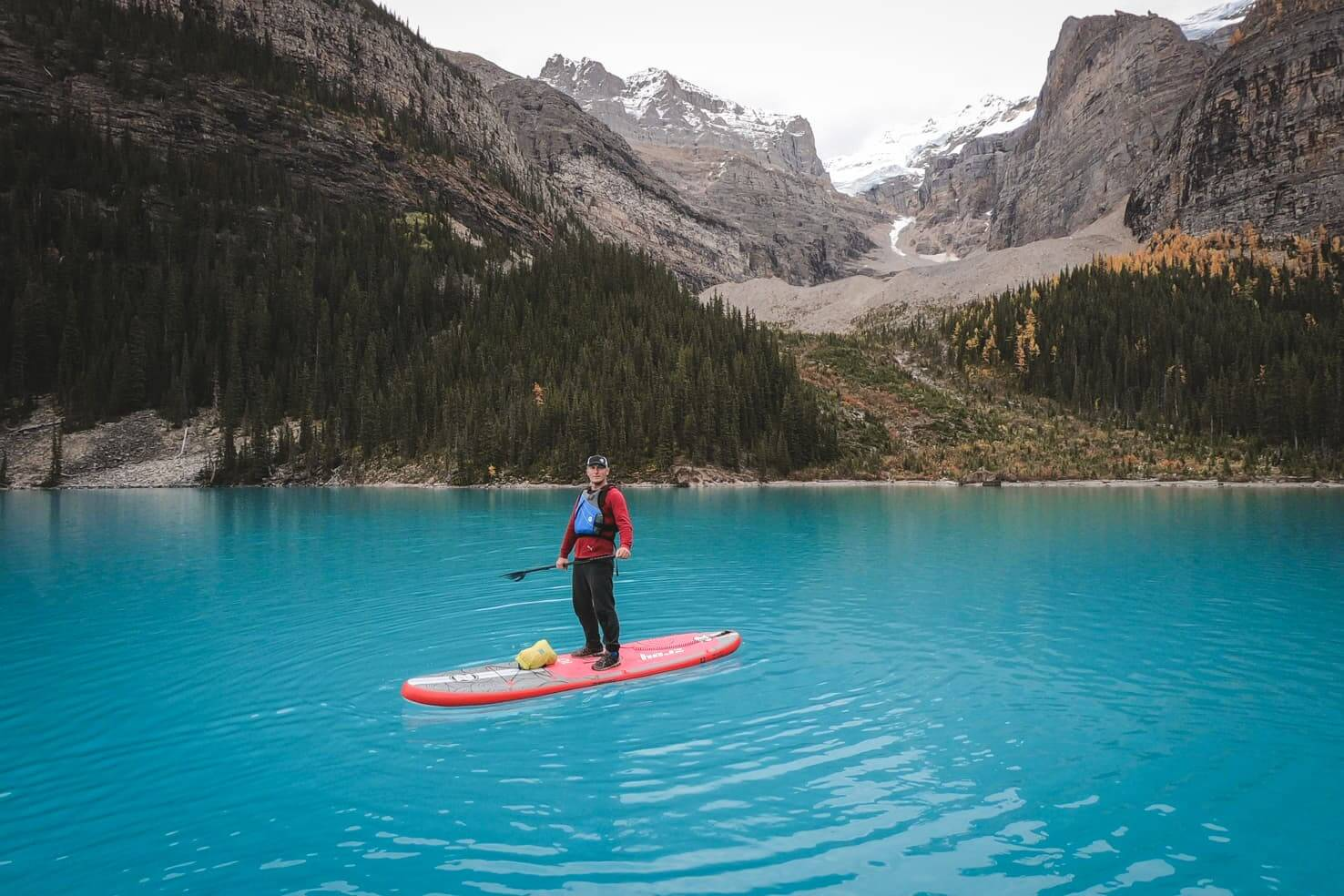 Stand up paddleboard on Moraine Lake