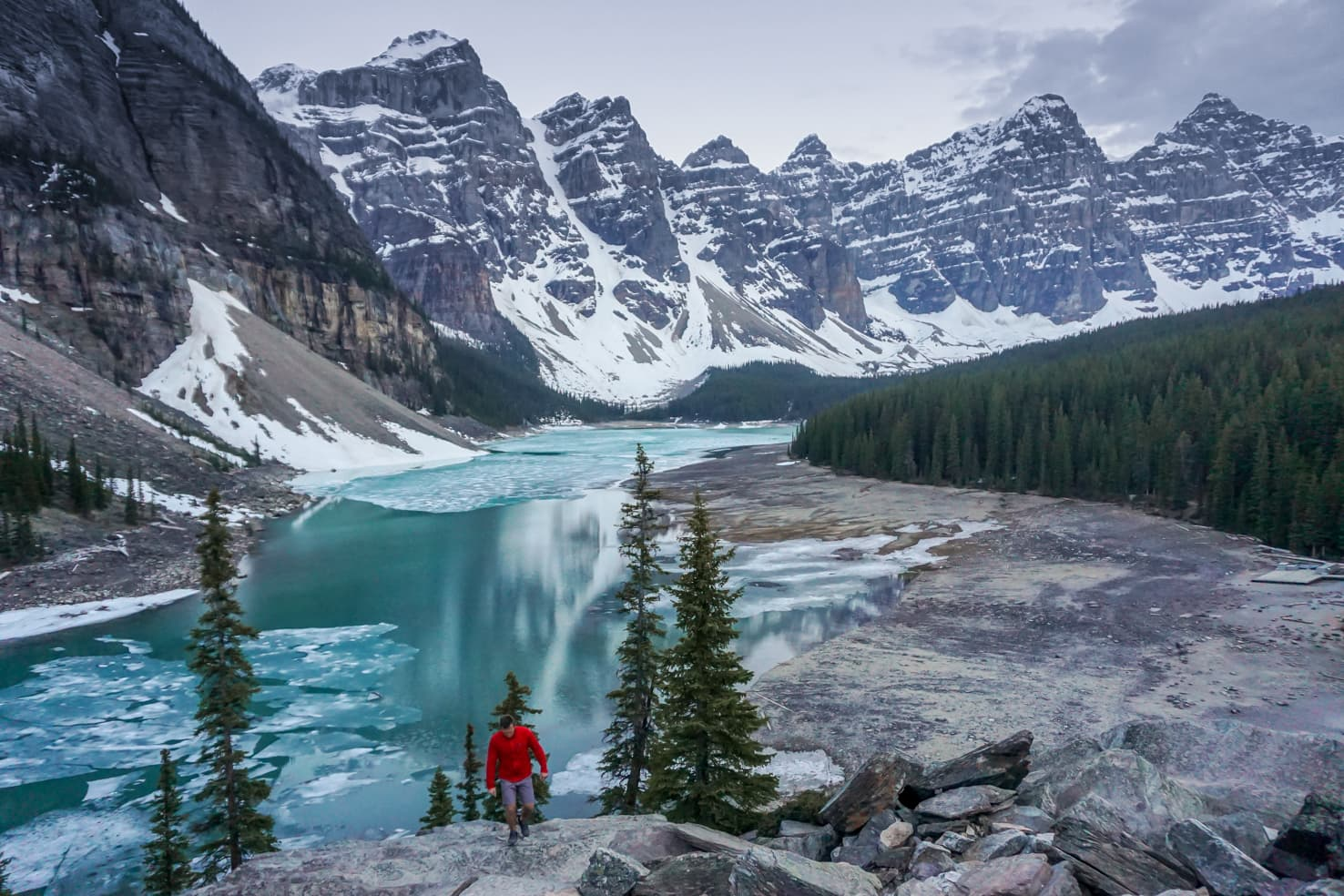 Banff on a budget - Moraine Lake in May