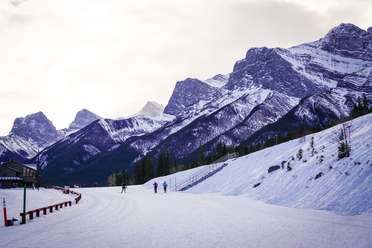 Cross country skiing in Canmore Nordic Centre